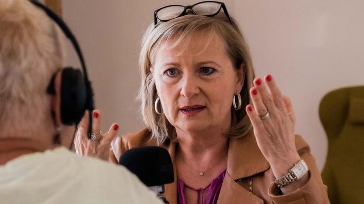 FrauenFunk #8: Im Gespräch mit Manuela Vollmann, Gründerin ABZ*AUSTRIA